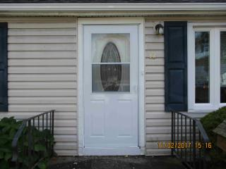 12 Lester St, Colonie, NY