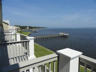 9 Mashes Sands Rd, Panacea, FL