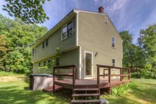 23 Old Lee Rd, Newfields, NH