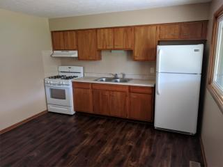 7544 Portage St NW #2, Massillon, OH