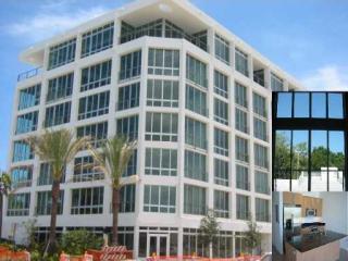 8101 Biscayne Boulevard #R-504, Miami FL