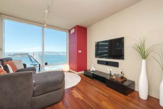 425 1st St #4501, San Francisco, CA