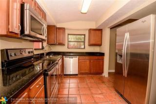 3470 SW 15th Ct, Fort Lauderdale, FL