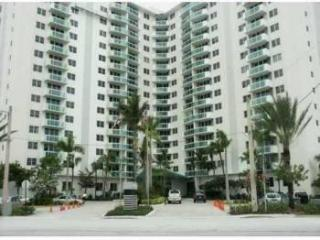 3001 South Ocean Drive Residence, Hollywood FL