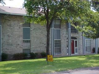 801 North Center Street, Arlington TX