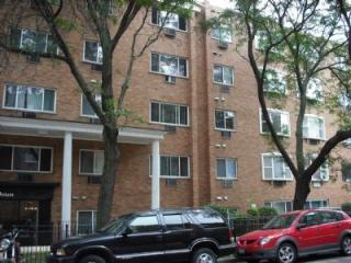 3825 North Pine Grove Avenue, Chicago IL
