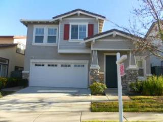 1033 White Birch Drive, Hercules CA