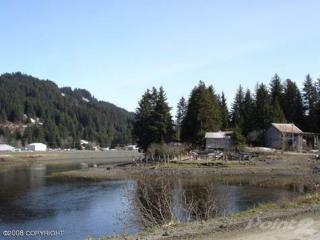 382 Shoreline Dr, Seldovia, AK 99663