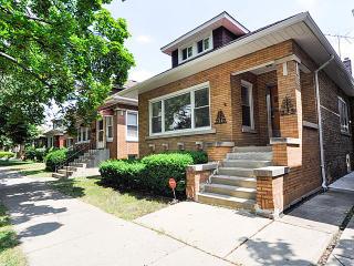 5107 North Tripp Avenue, Chicago IL