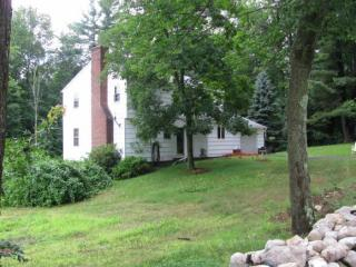 5 Bartley Hill Rd, Londonderry, NH 03053