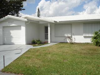 8707 Northwest 58th Place, Tamarac FL