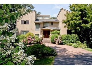 23 Pine Hill Ct, Briarcliff Manor, NY 10510