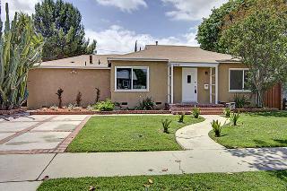 17008 Hartland St, Lake Balboa, CA 91406