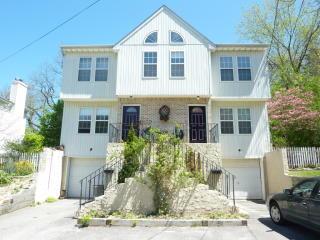 3 Putnam Avenue, Glen Cove NY