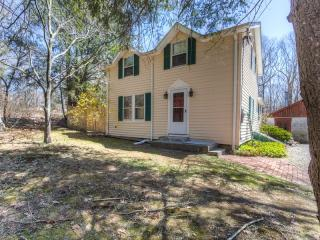 236 Mistuxet Ave, Stonington, CT 06378