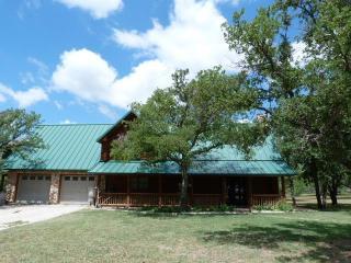 247 Maxey Rd, Jacksboro, TX 76458