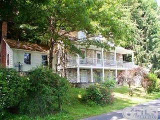 420-428 Pine Bush Rd, Stone Ridge, NY 12484
