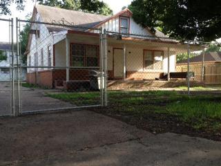 1445 Bolivar Street, Beaumont TX