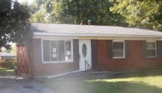 631 Prairie Dr, Louisville, KY 40229