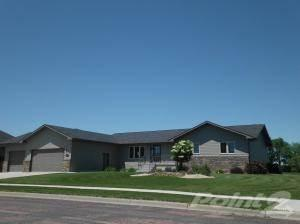 3000 Maui Dr, Mitchell, SD 57301