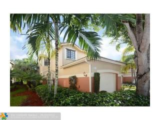 3867 Tree Top Dr, Weston, FL 33332