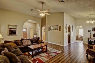 10212 W Minnezona Ave, Phoenix, AZ 85037