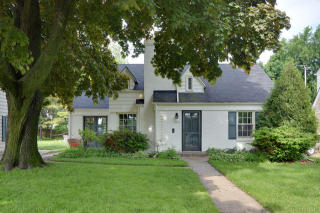 4953 North Woodruff Avenue, Whitefish Bay WI