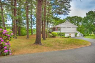 25 Willow Road, Boxford MA