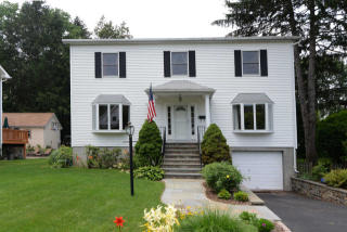 27 Clunie Avenue, Hastings-on-Hudson NY