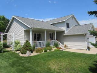 221 9th Street Ne, Byron MN