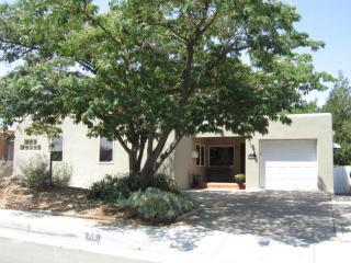 715 Loma Vista Dr Ne, Albuquerque, NM 87106