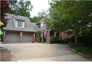303 W Brow Rd, Lookout Mountain, TN 37350