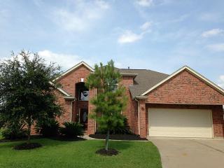9714 Pine Bank Dr, Houston, TX 77095