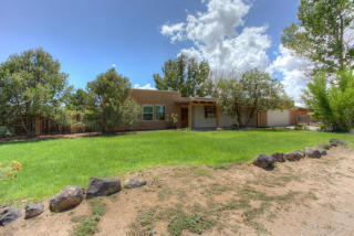 550 Sagebrush Dr, Corrales, NM 87048