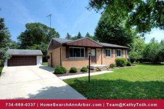 3075 Fernwood Ave, Ann Arbor, MI 48108