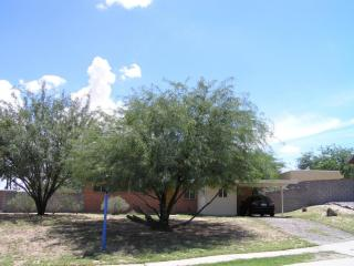 7626 E Jalapa Pl, Tucson, AZ 85710