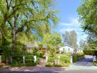 5408 Penfield Ave, Woodland Hills, CA 91364
