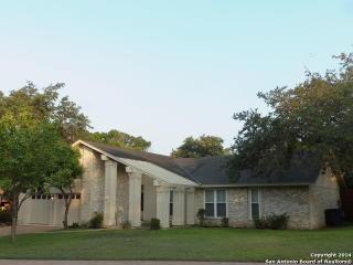 15111 Oakmere St, San Antonio, TX 78232