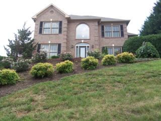 10621 Forest Crest Rd, Knoxville, TN 37922
