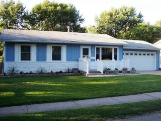 310 Colony Dr, Davenport, IA