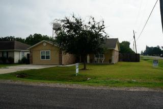 711 S Galveston, Anahuac, TX 77514