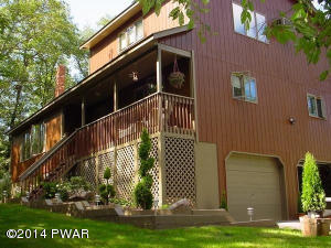 220 Wild Meadow Dr, Milford, PA 18337