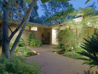 1080 Glen Oaks Blvd, Pasadena, CA 91105