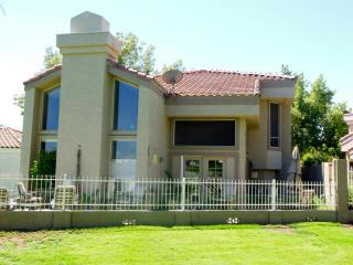 4020 E Laurel Ln, Phoenix, AZ 85028
