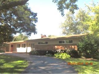 101 Douglas Dr, Bloomfield Hills, MI 48304