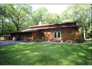 870 Pine Hill Dr, Oneida, WI 54155