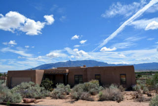 211 Valle Vista Rd, Corrales, NM 87048