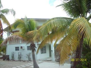 1427 Ocean Dr, Summerland Key, FL 33042
