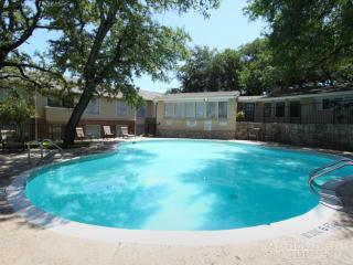 4515 Gardendale St, San Antonio, TX 78240