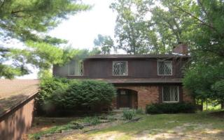 4851 Canyon Oaks Dr, Brighton, MI 48114